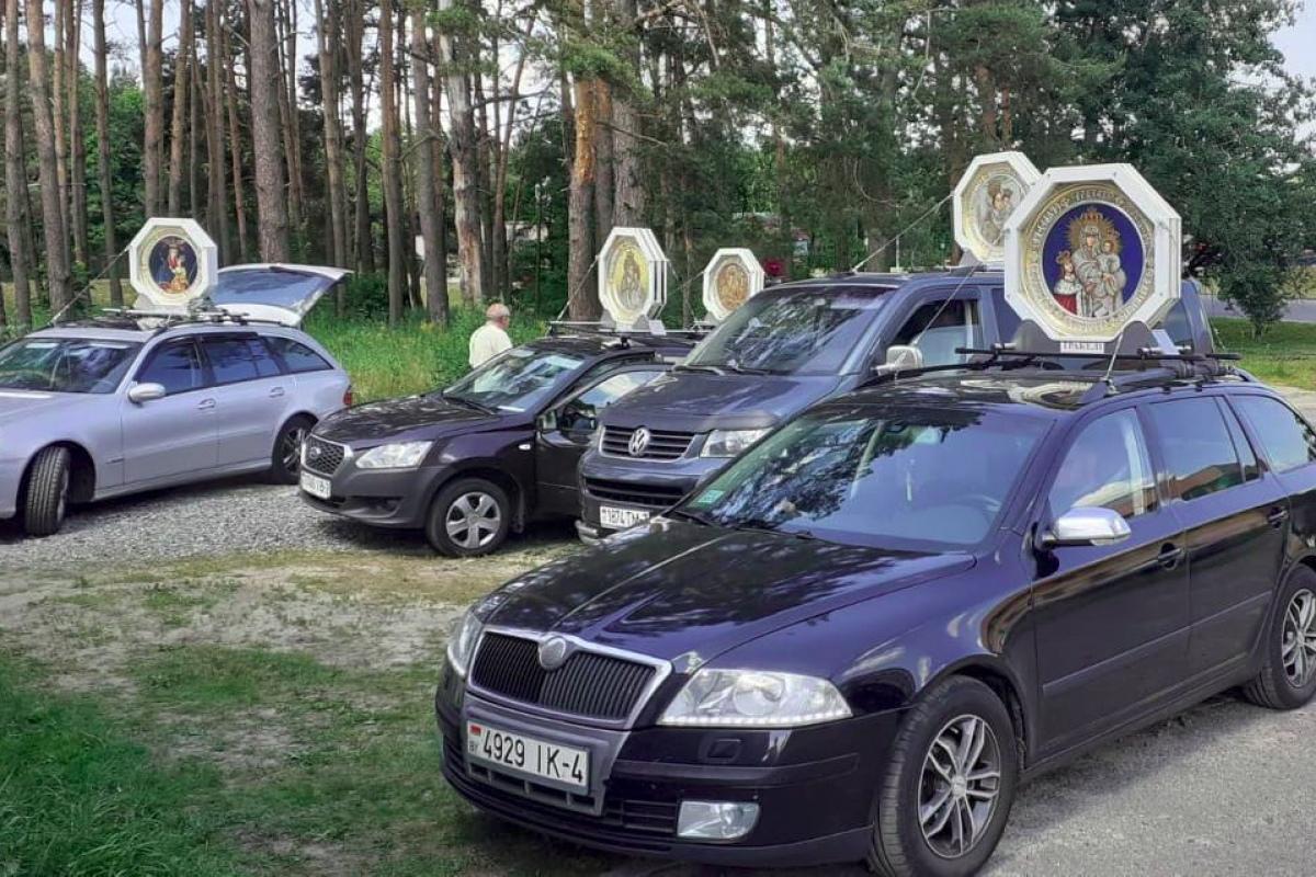 Фотофакт: паломничество с 8 иконами посетило Гомель