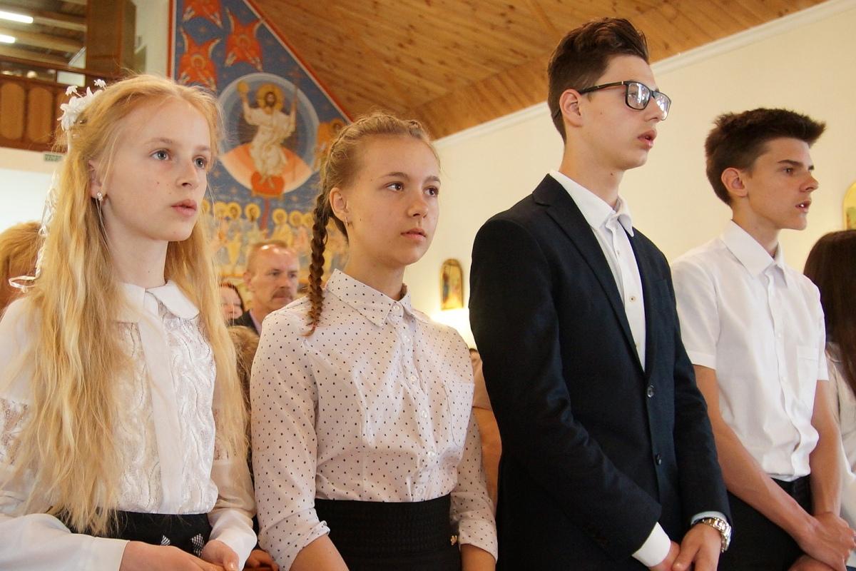 Быть знаком. Группа молодежи в Гомеле приняла Первое Причастие [фото]