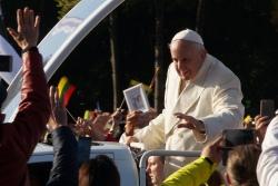 В Литве презентовали песню и клип «Папа Франческо» - видео