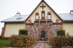 В храме с двойным крестом вместе молятся католики и православные [видео]