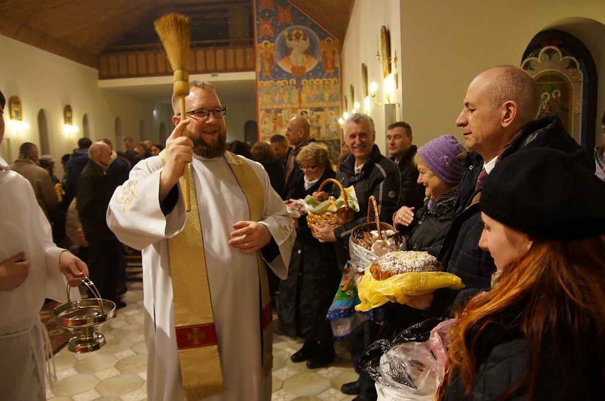 Умереть для греха и жить для Любви: католики празднуют Воскресение Христово [ФОТО + ВИДЕО]