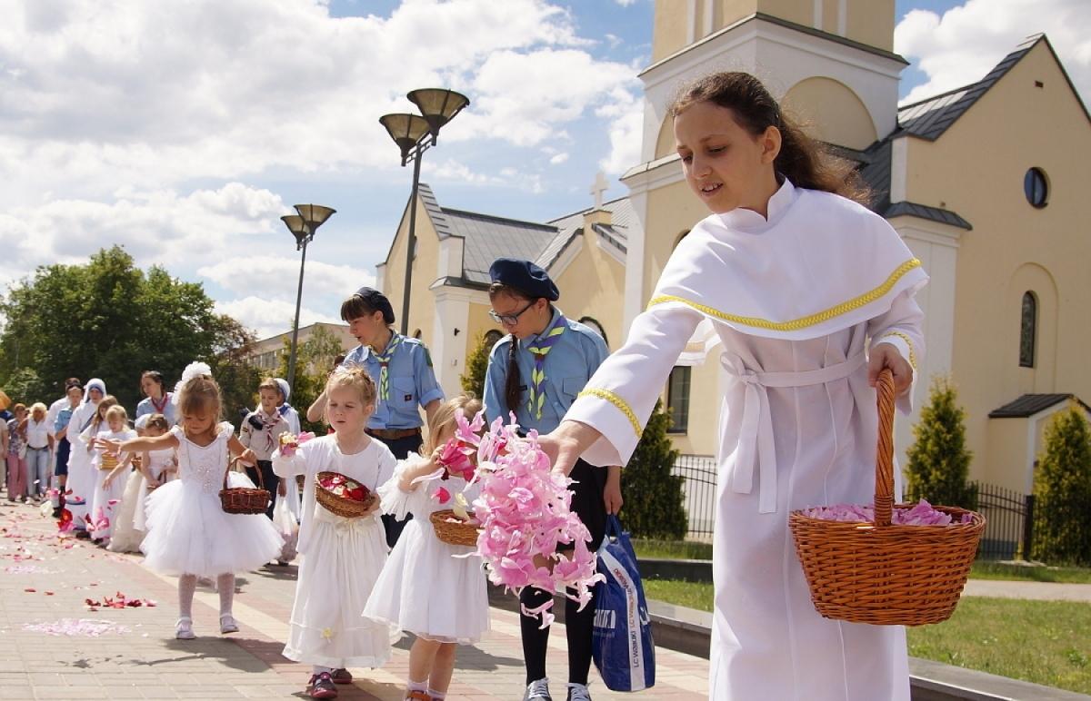 Торжественную процессию Божьего Тела проведут католики в Гомеле
